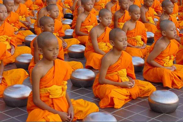 Boun Khao Pansa festival