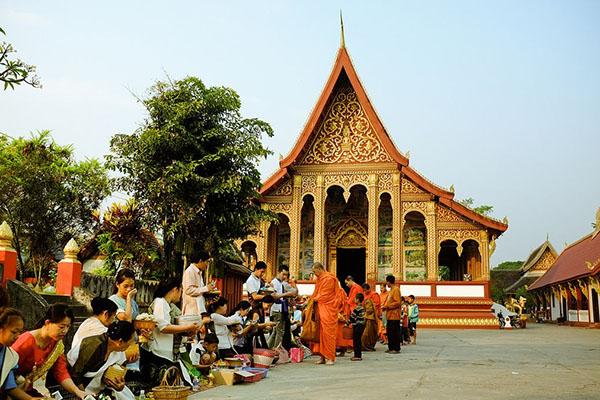 Boun Khao Salak Festival