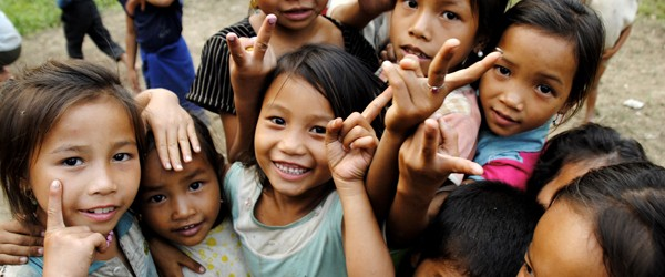 Laos Children of Ban Ya Nang say hello