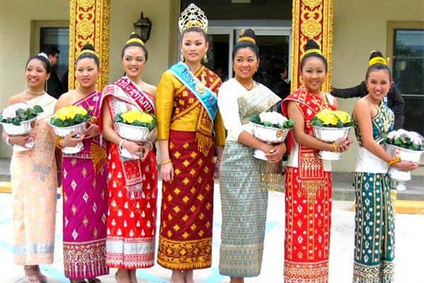 Laos Traditional Costumes, Dress & Clothing – 5 Things You Should Know