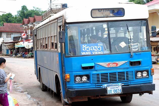 bus in Vang vieng