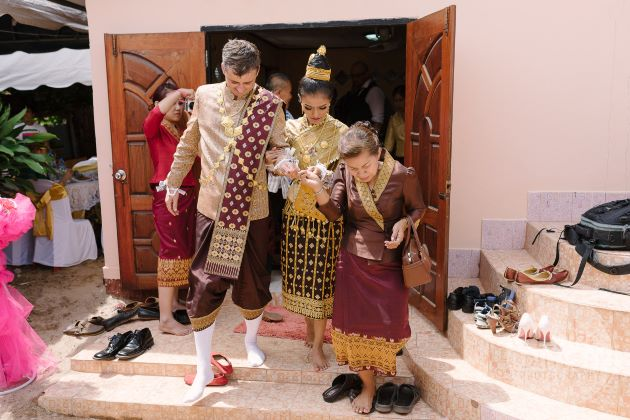 laos traditional clothing
