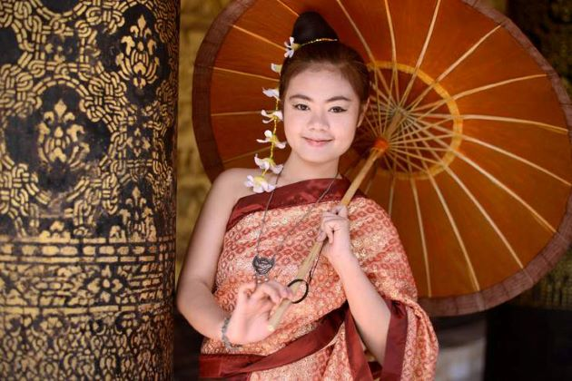 laos traditional dress for female