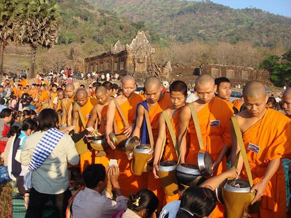 Laos monks in Wat Phou Asa festival
