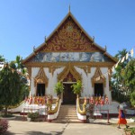 The main building of Wat Luang in Paske
