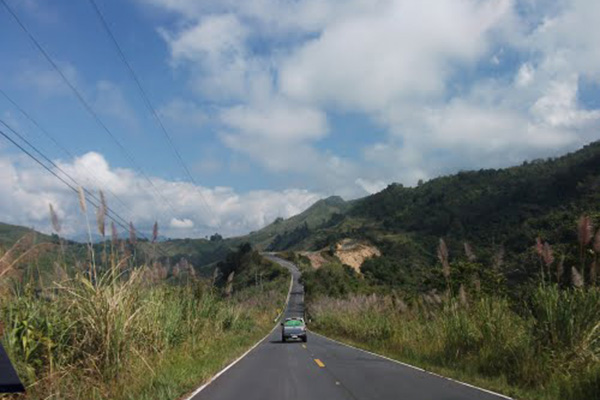 The road lead up to Phou Khe mountains in Laos