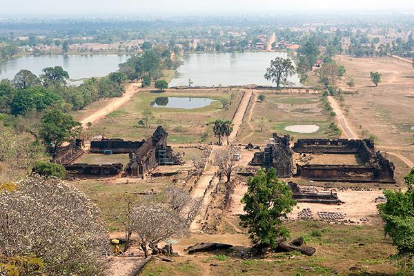 Hasil gambar untuk Vat Phou 600 x 400