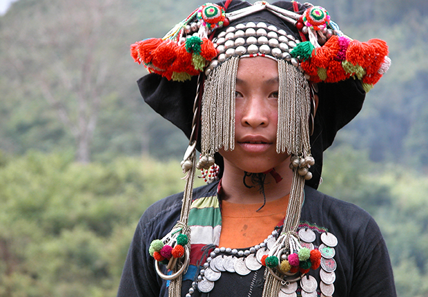 A Lao Seung girl in her traditional costume
