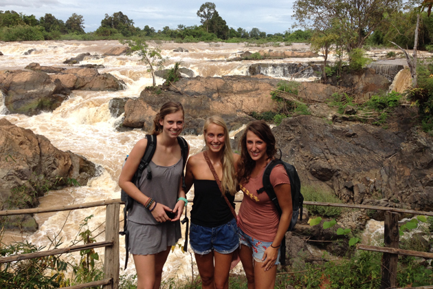Bring suitable outfits during your trip in Laos