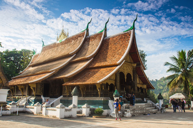 Dress modestly while traveling in Buddhist countries like Laos