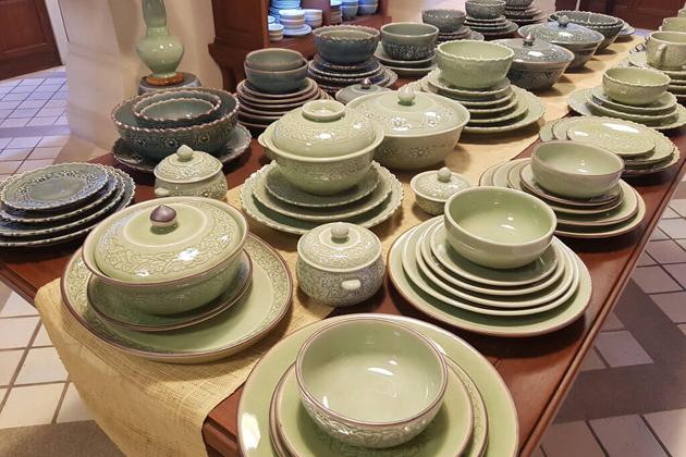 Laos Pottery