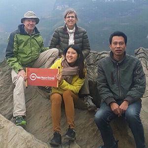 Laos Tour Guide
