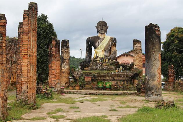 Giant Buddha in Muang Khoun in Xieng Khouang