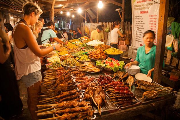 Luang Prabang Night Market - Food Paradise