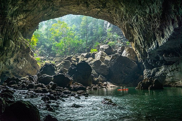Tham Khoun Xe – Majestic River Cave in Laos
