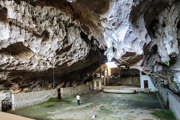 Vieng Xai Caves - Life Underground