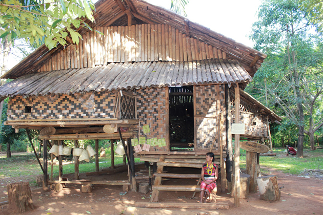 phonsavan village Laos tours