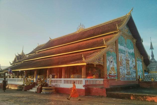 Explore Wat Keophone Savanthanaram huay xai