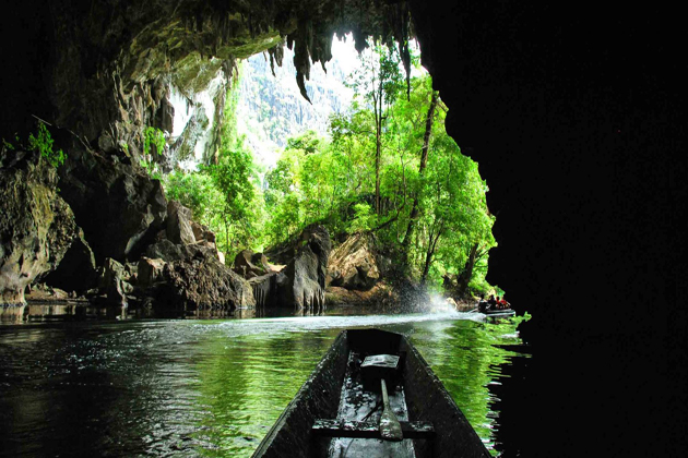 tham kong lor cave attraction
