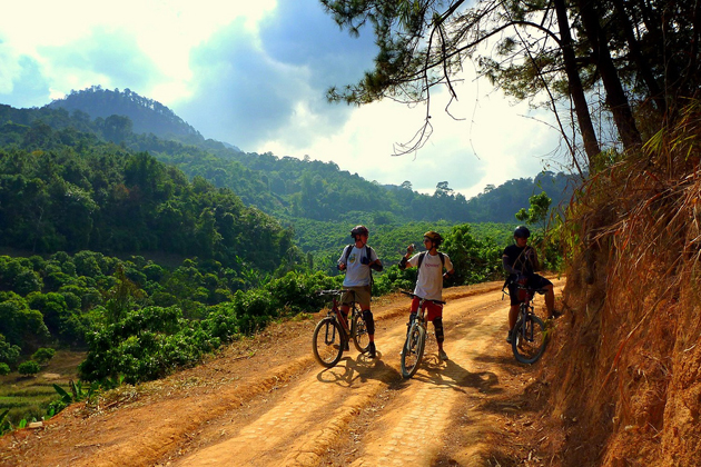 Laos cycling private tour