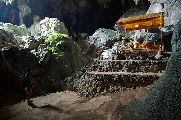 Tham-Phu-Kham-Cave-Vang-Vieng, Tour to Laos