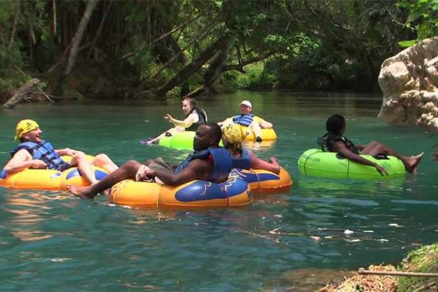tubing in Vang Vieng, travel to Laos