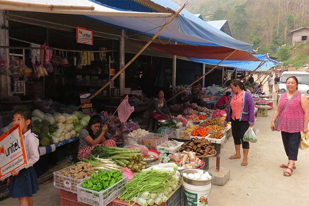 Pakbeng Local Market