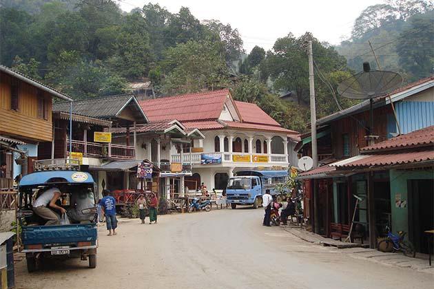 Pakbeng, Mekong Cruise