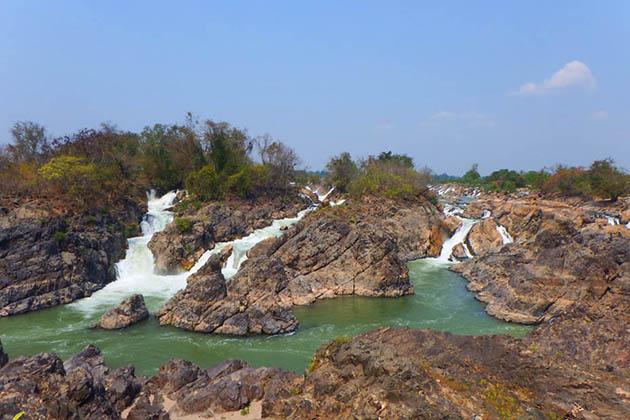 Khon Pha Pheng Waterfalls