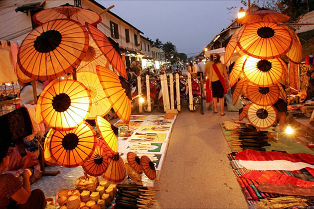 Luang Prabang Night Market, Go Laos Tours