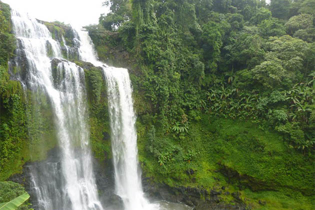 Tad Yuang Falls
