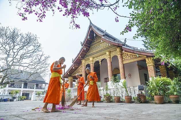 LuangPrabang, hike and homstay in Luang Prabang