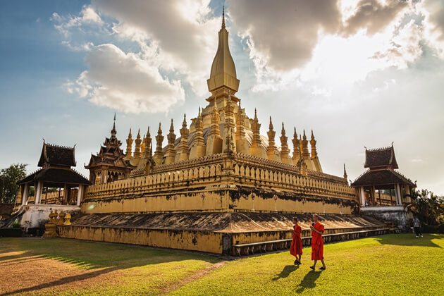 Pha-That-Luang-vientiane-tours