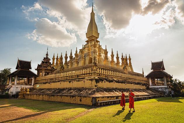 Pha-That-Luang-vientiane-tours