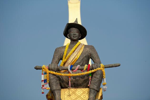 Setthathirath-vientiane-tours