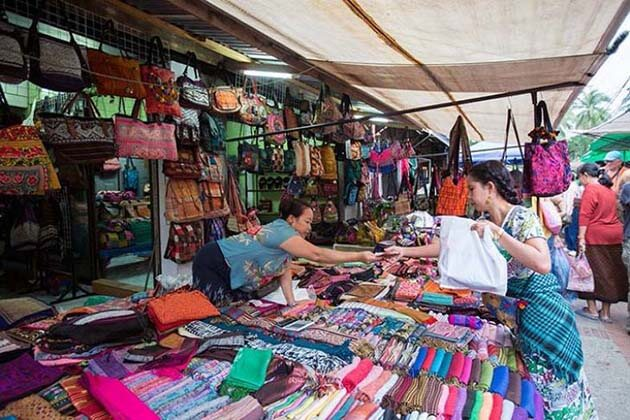Tad Sao Market - Vientiane