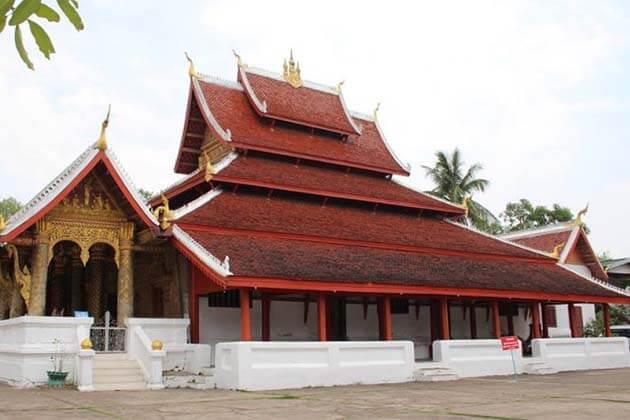 Wat Mai, Laos Tours