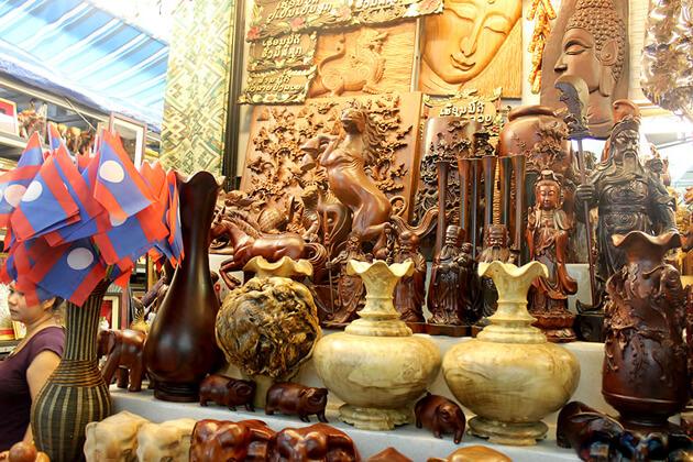 talat-Sao-morning-market-vientiane-tours