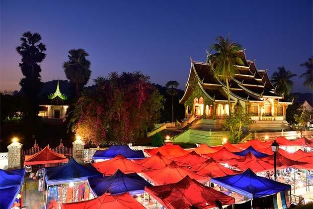 Luang Prabang Market, tour to Laos
