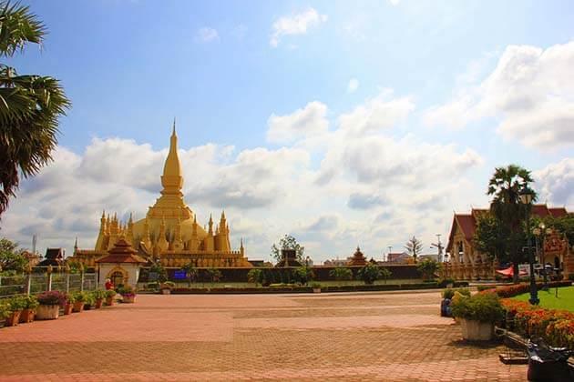 Pha That Luang, Laos vacation