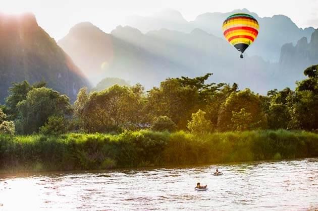 balloon in Vang Vieng, Laos Tours