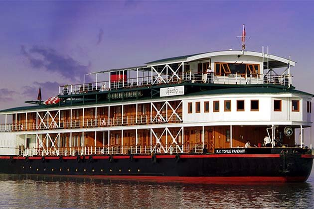 Mekong river cruise in Vientiane, Vientiane tours and day trips