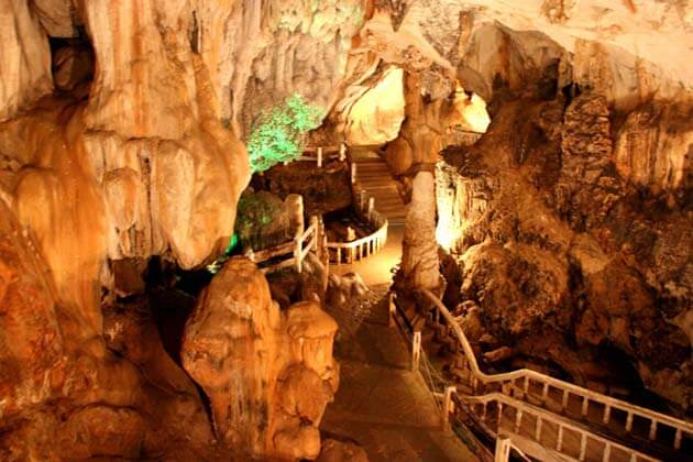 Caving in Laos, Laos Tours adventure