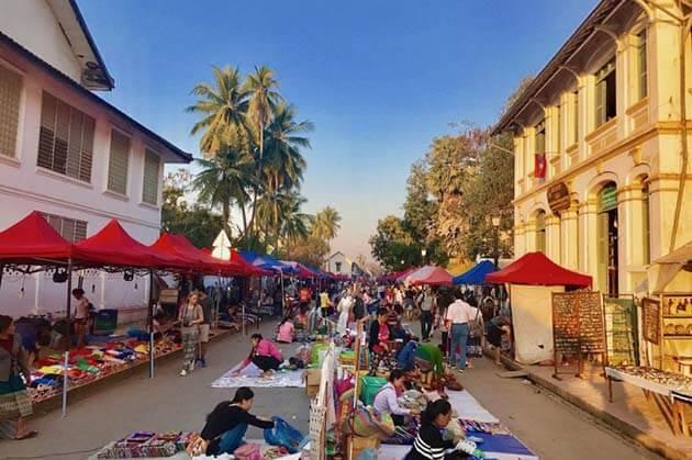 Luang Prabang Market, Cruise trip in Laos